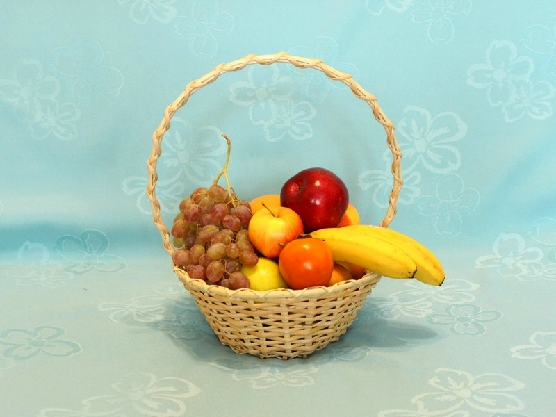 round-willow-gift-baskets-whith-fruits-5-l