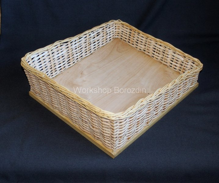 1 wicker box with beveled sides 3_cr