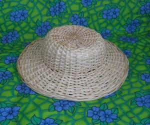 Плетеная шляпа из ивовой лозы
